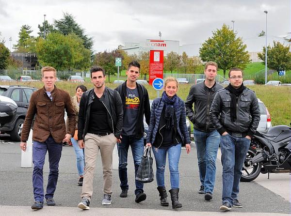 Elèves ingénieurs en alternance à Amiens